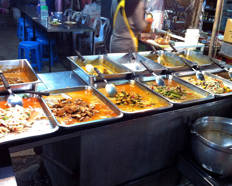 Curries at City Market | a Nomad's Dream